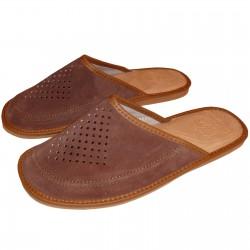 Męskie pantofle skórzane.